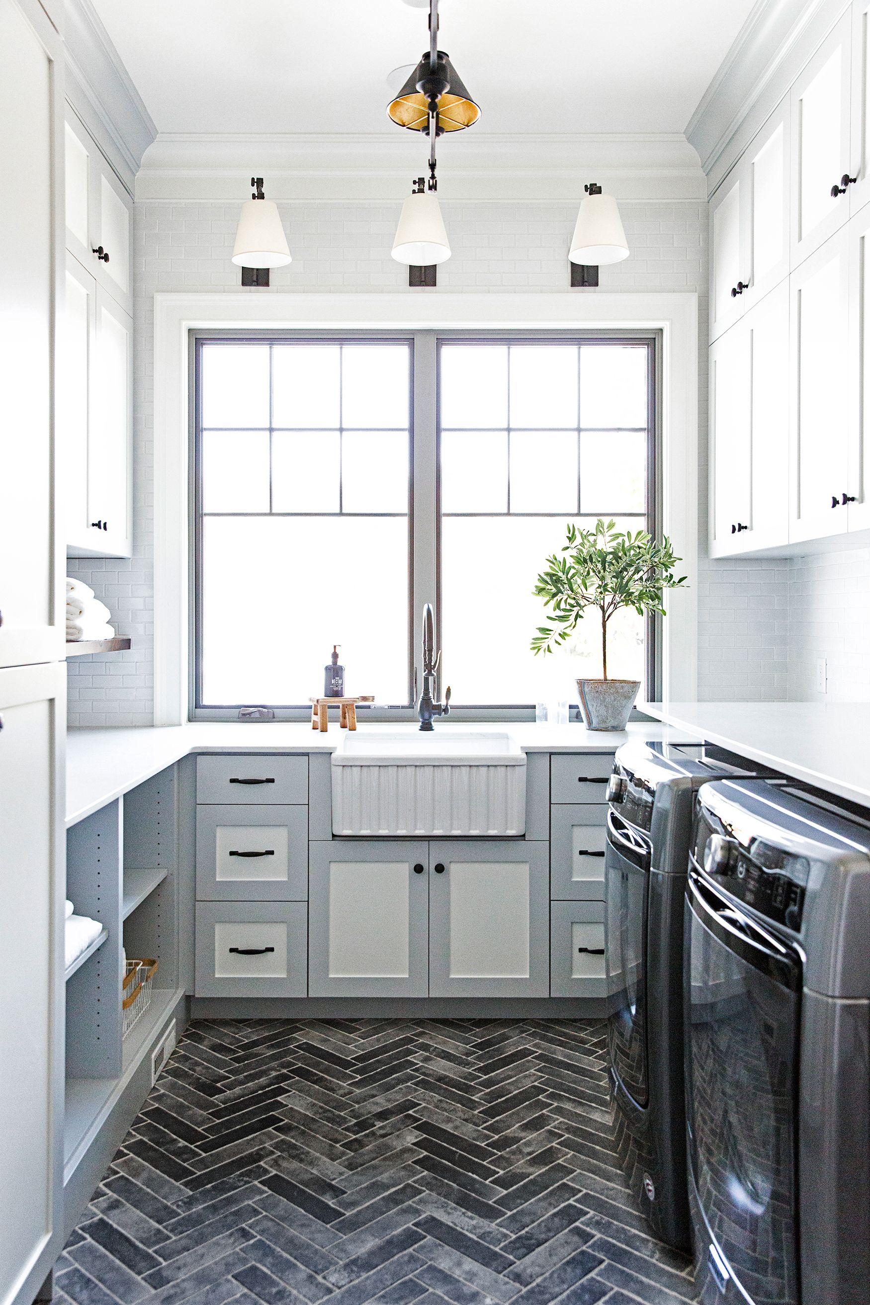 25 small laundry room ideas small laundry room storage tips on paint for laundry room floor ideas images id=93154
