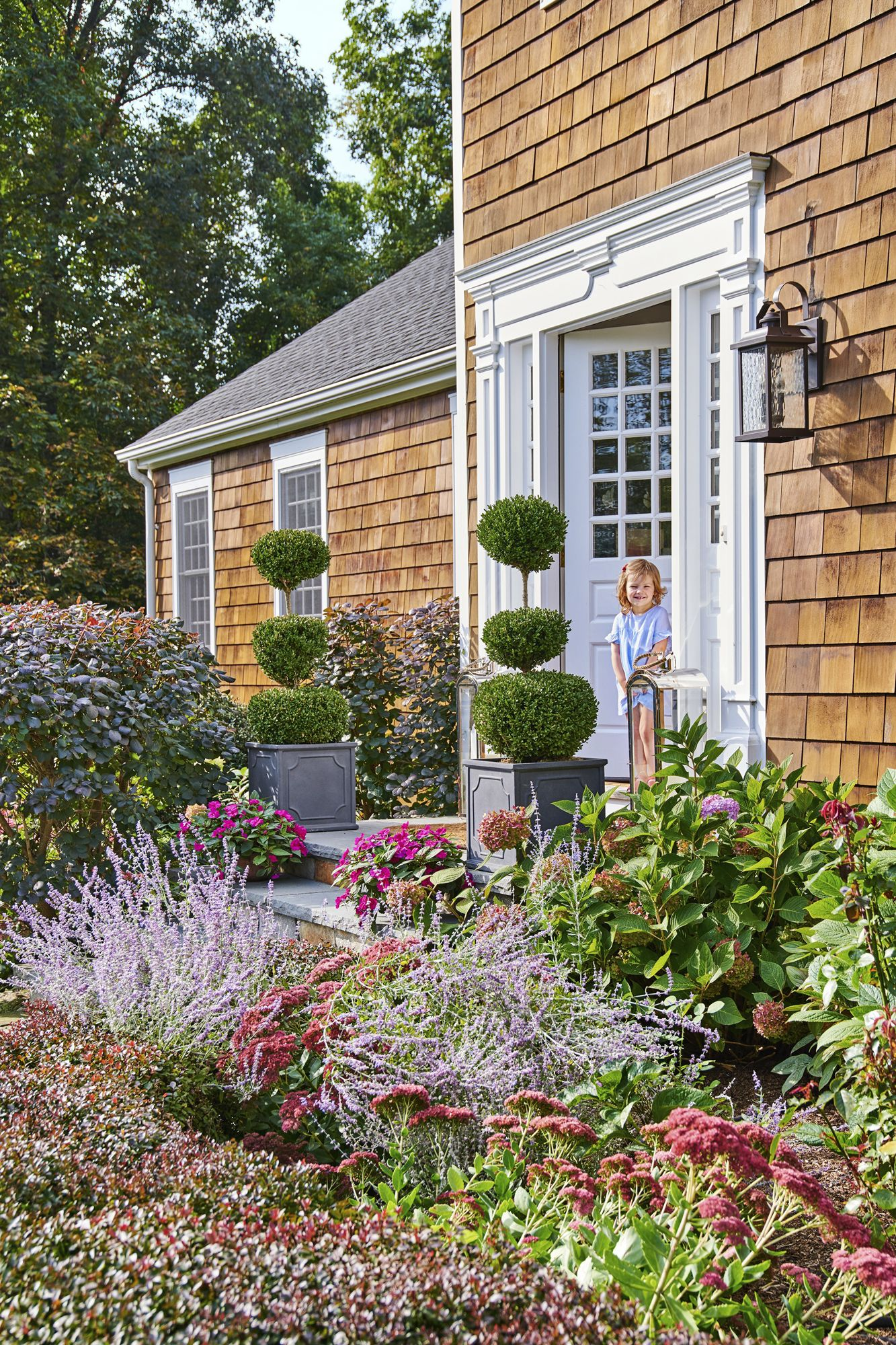 52 Best Front Yard and Backyard Landscaping Ideas ... on Landscape Front Yard Ideas id=58816