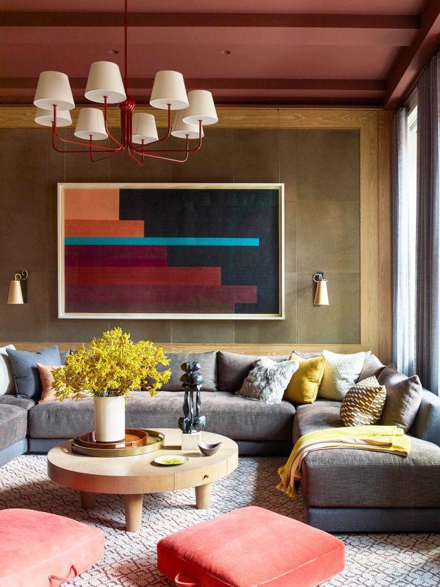 sala de estar con paredes de cuero
