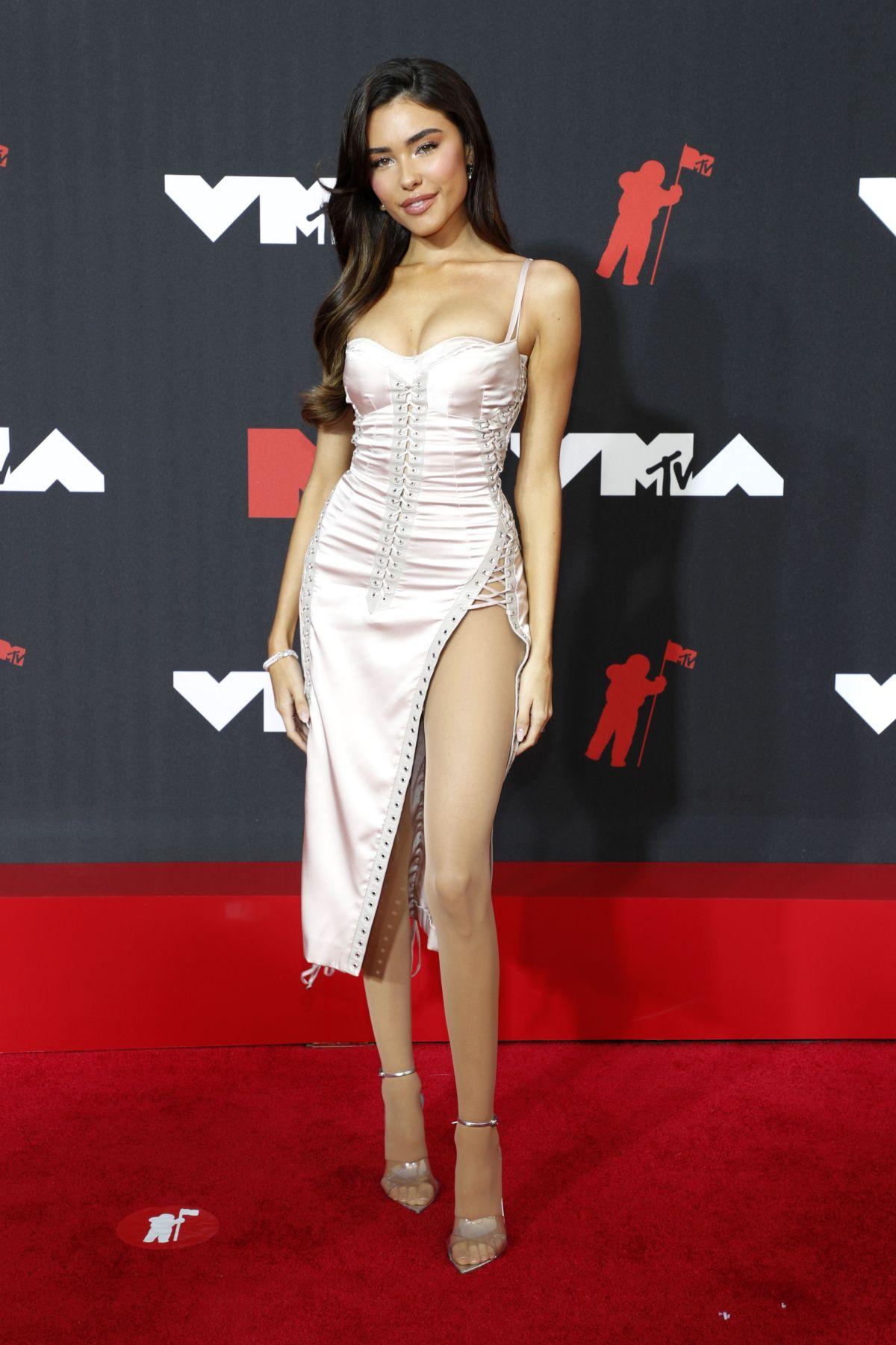 2021 mtv video music awards red carpet madison beer