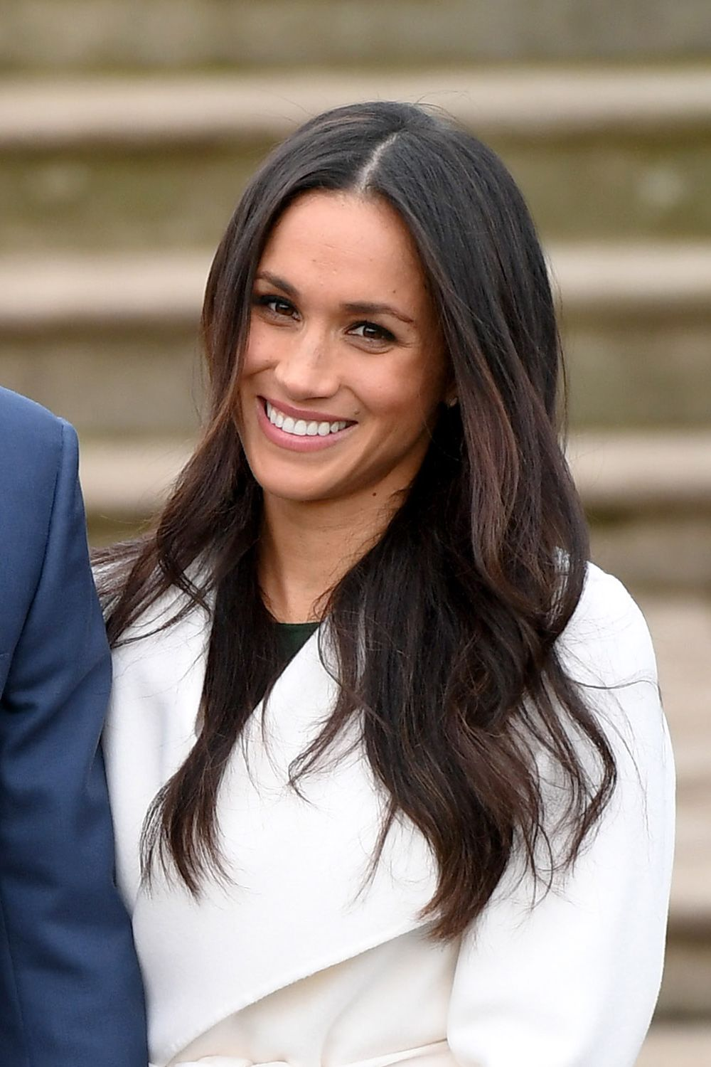 How to recreate Meghan Markle's blow-dry waves - Her ...