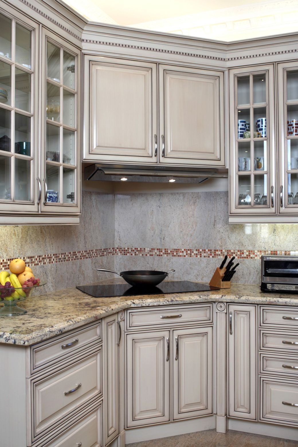 Are Glazed Kitchen Cabinets Out Of Style 2018   Review ...