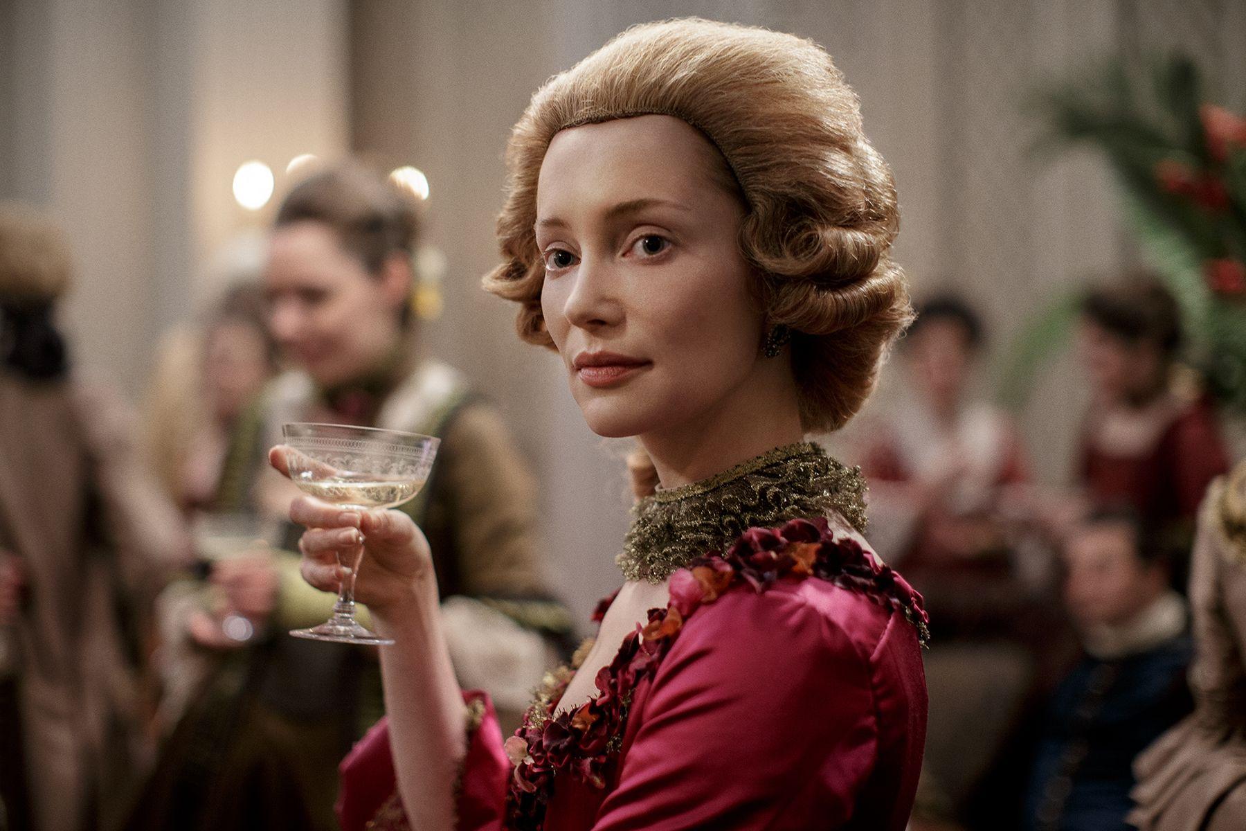 Lotte Verbeek as Geillis in Outlander