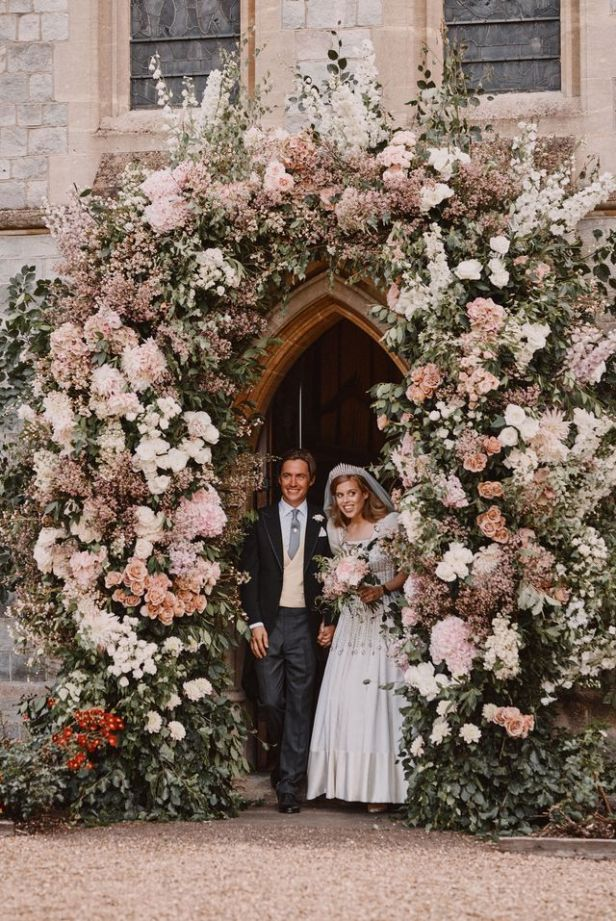 Princess Beatrice's Pale Pink Wedding Bouquet - Royal Wedding Flowers Photos