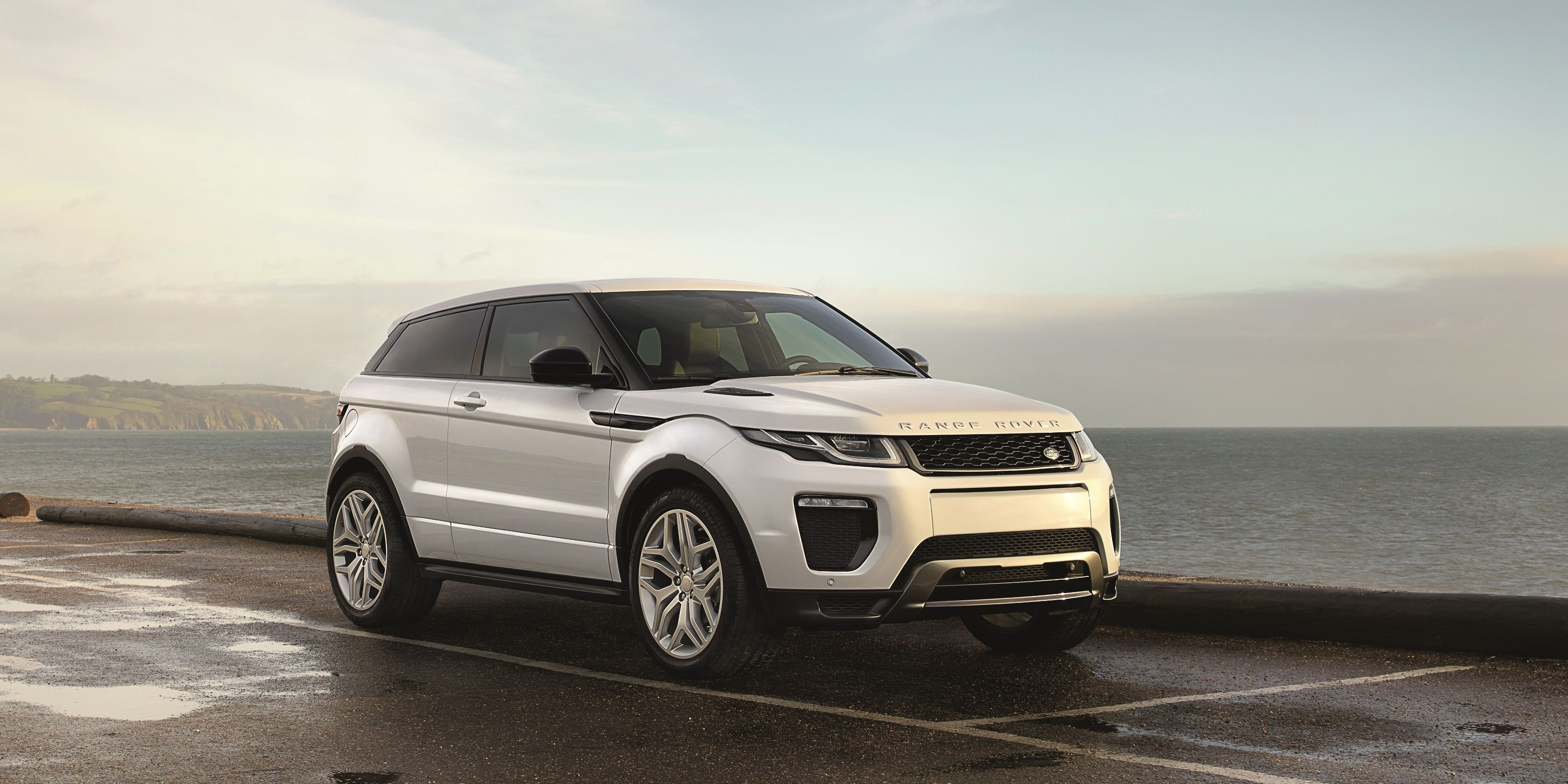 Land Rover Is Killing the Range Rover Evoque Coupe Because We Don