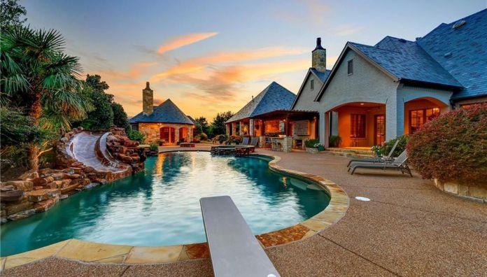 Selena Gomez Fort Worth, Texas Mansion Pool