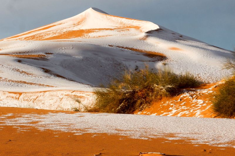 These Photos of Snow in the Sahara Look Like Something Out of Star Wars 3