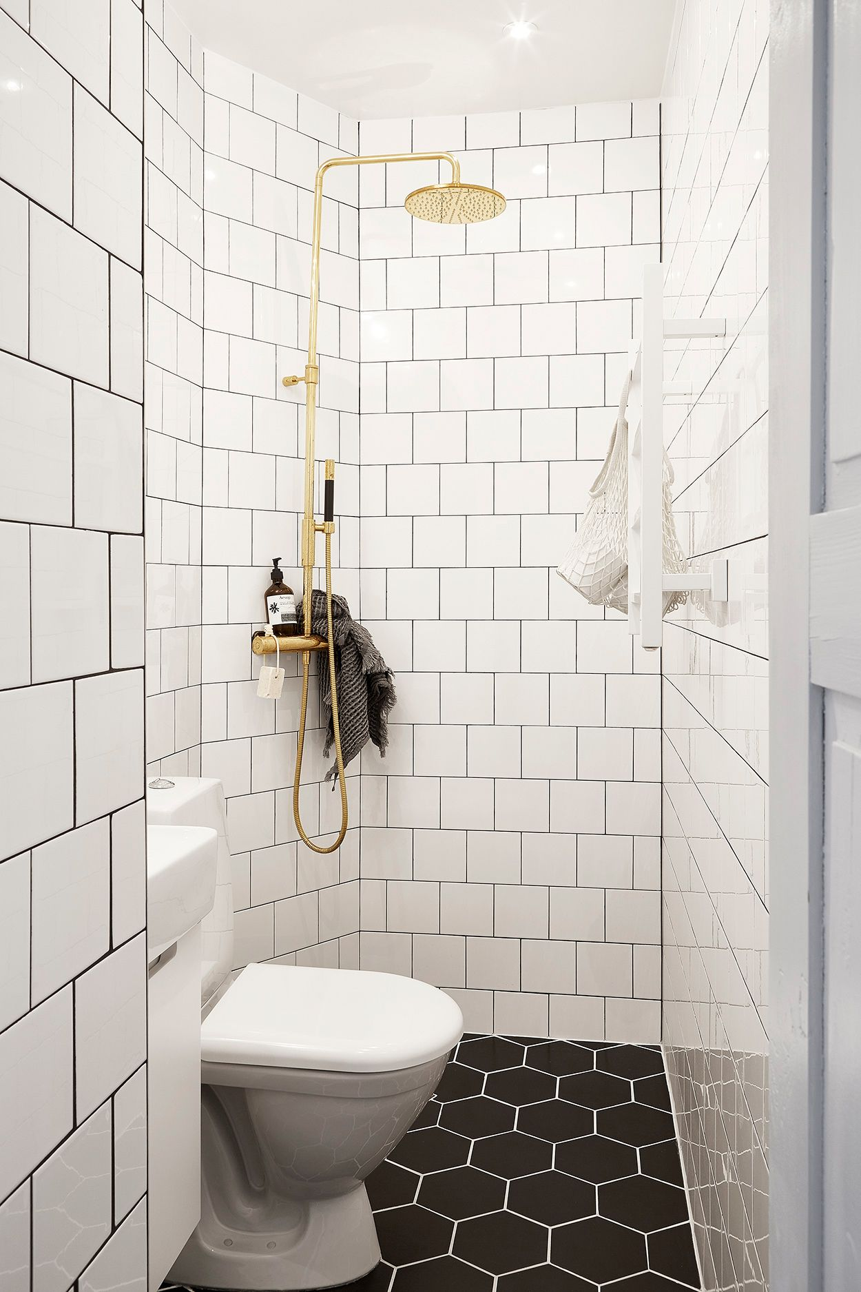 35 Small Bathroom Design Ideas - Small Bathroom Solutions on Simple Bathroom Designs For Small Spaces  id=88085