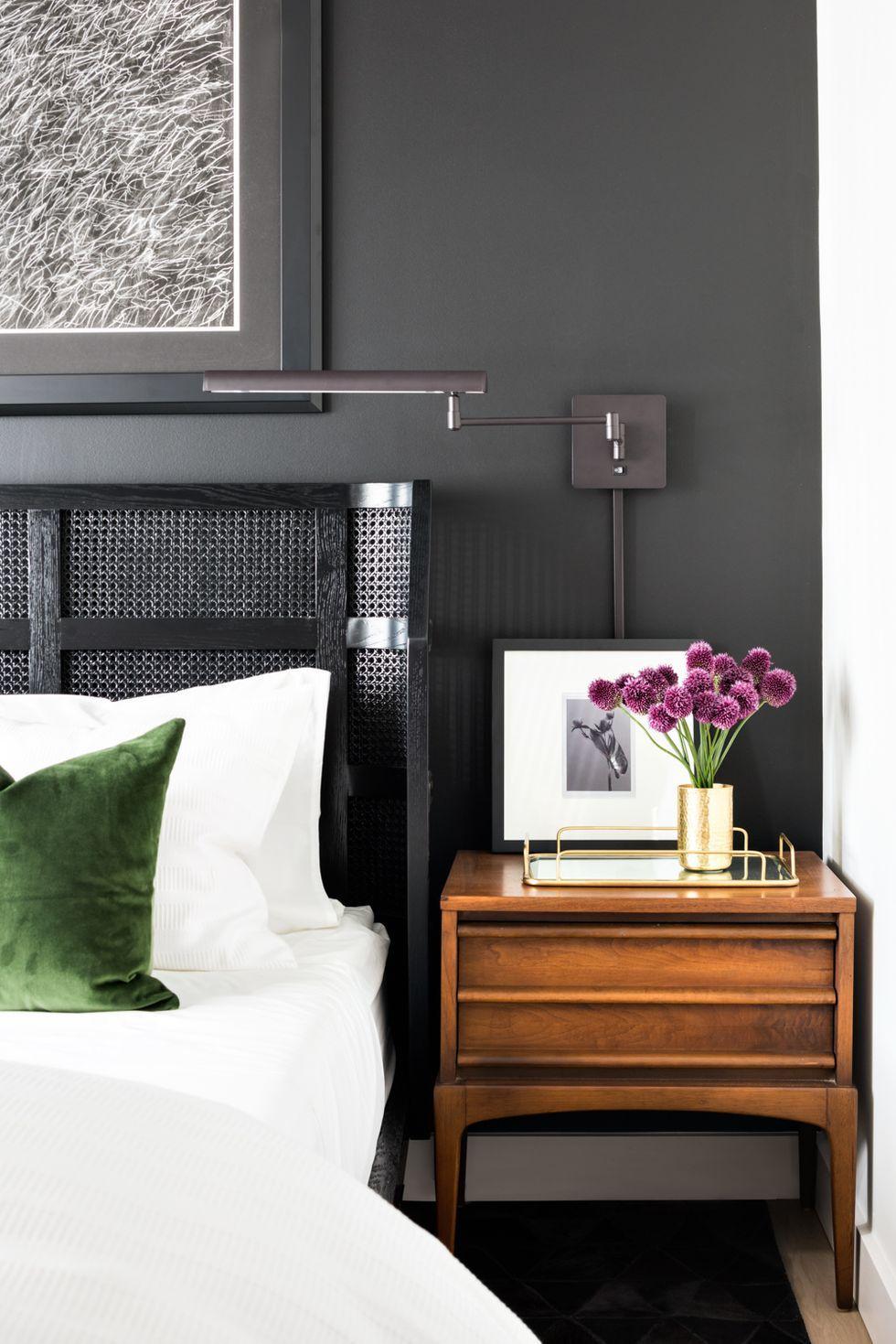 small bedroom ideas dark paint color