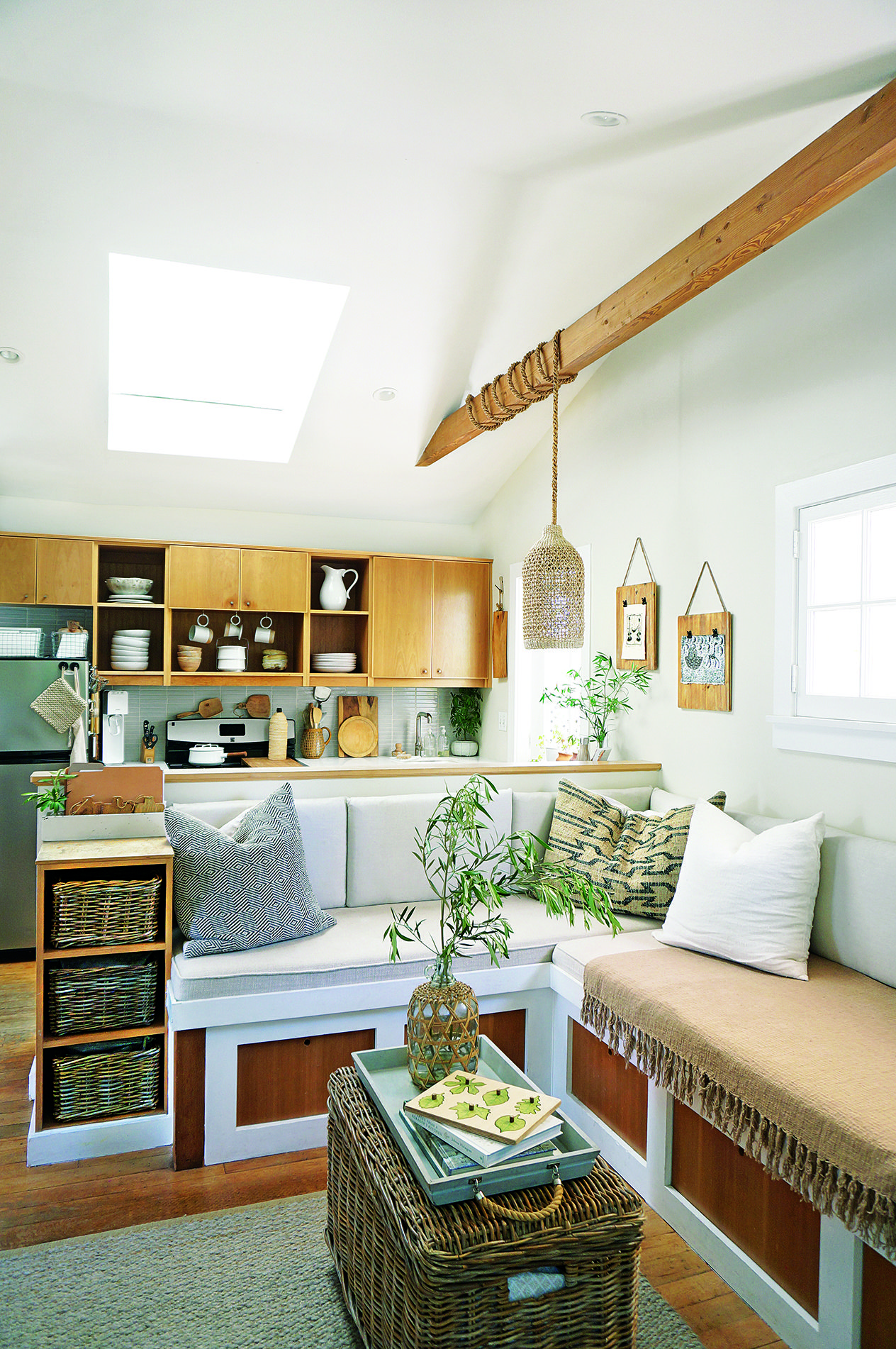 The Secrets to Maximizing a Small Living Room - Small ... on Small Living Room Decor  id=24748