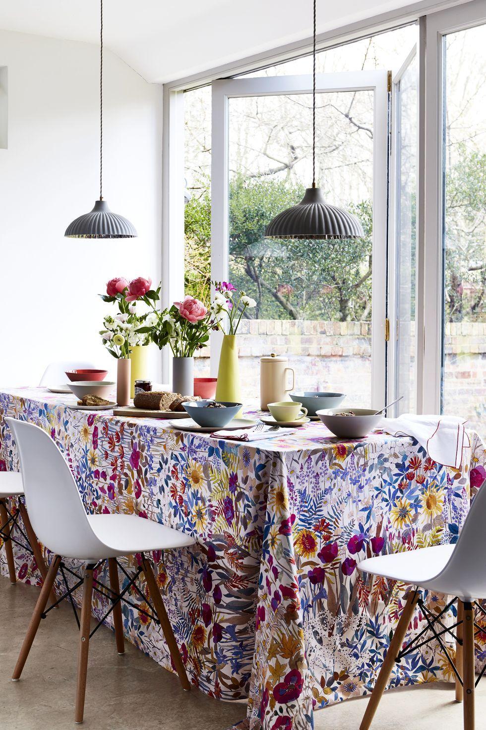 Spring Decor Ideas - Floral Tablecloth