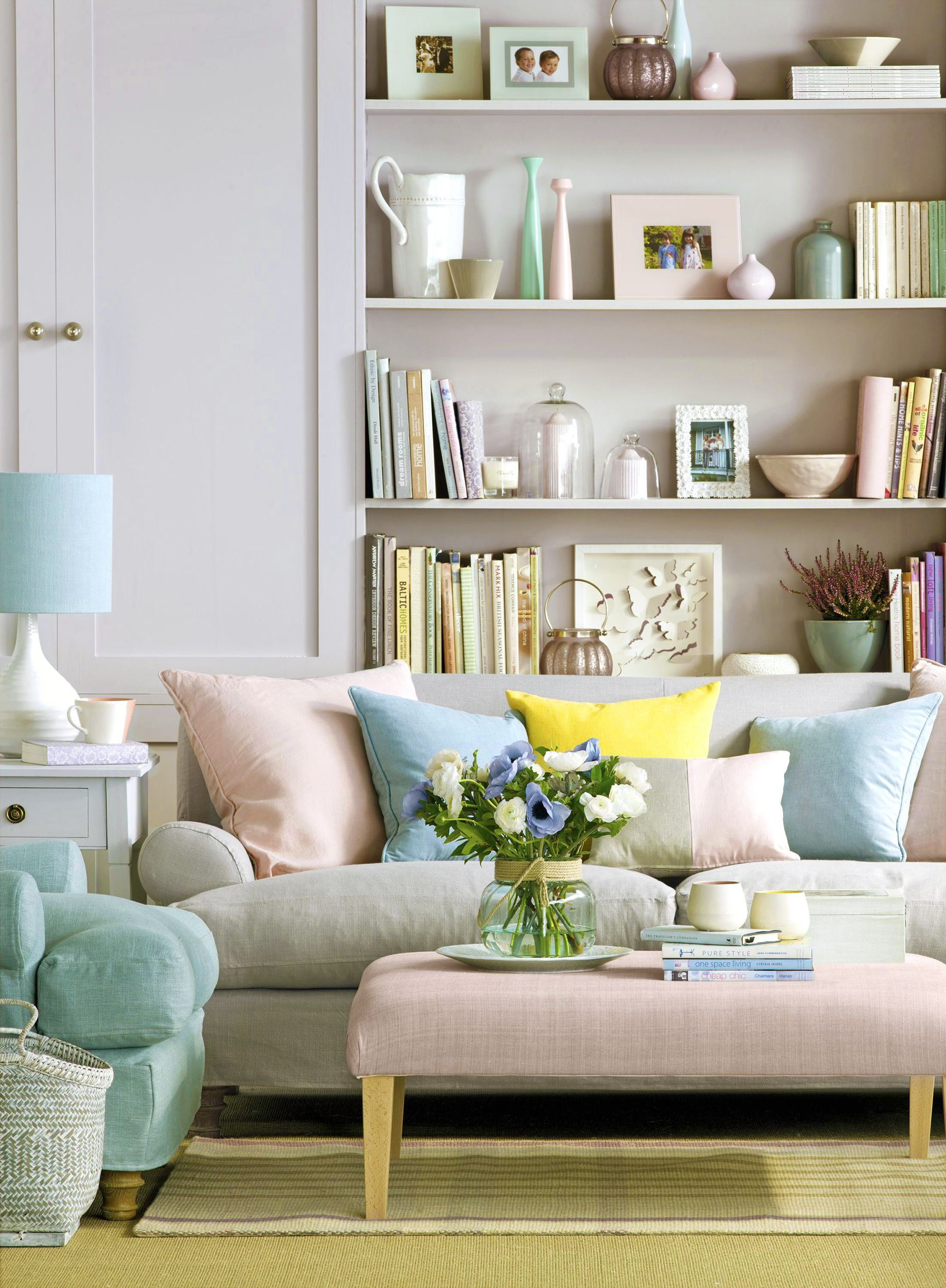 Spring Decor Ideas - Pastel Living Room