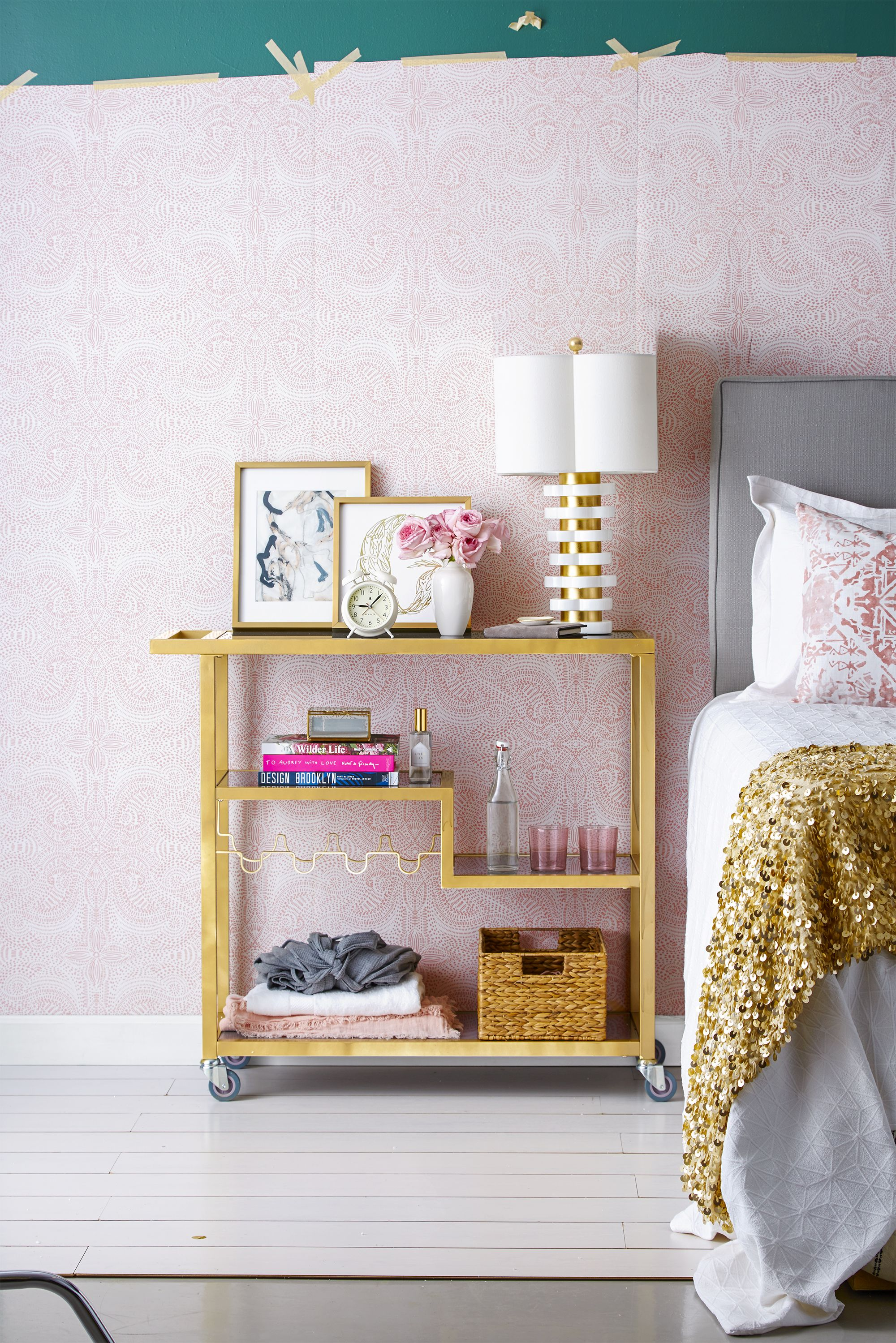 teen bedroom ideas - gold accents