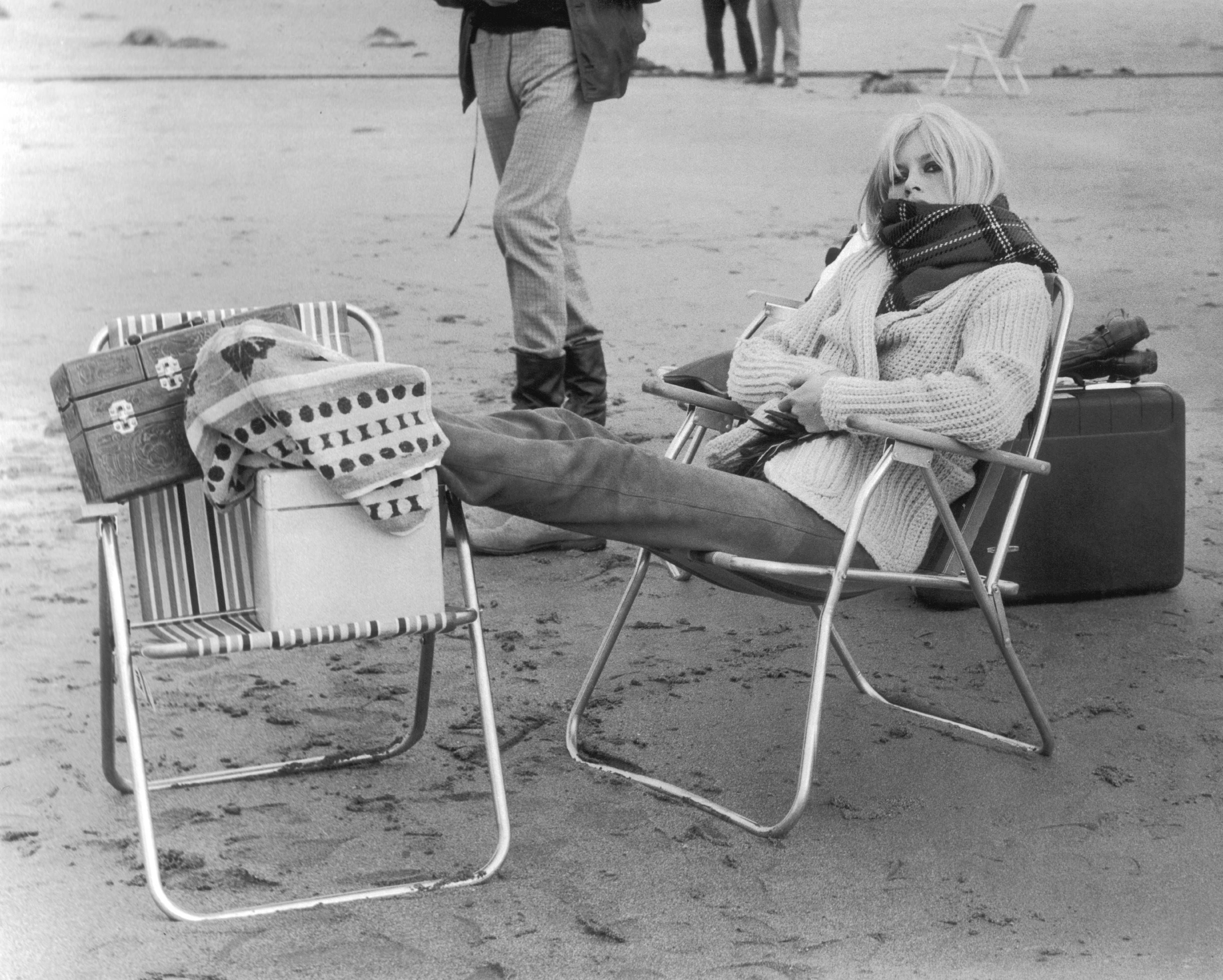 brigitte bardot during a film shooting in scotland 1966