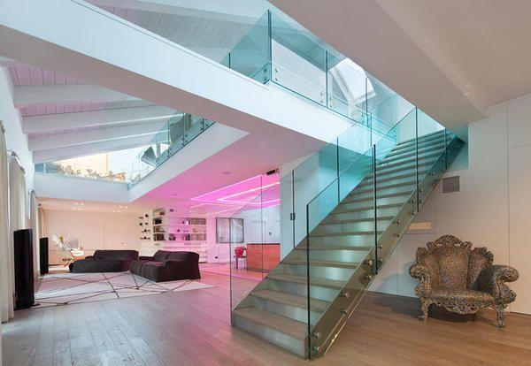 Less is more è il vademecum di un interior designer di case moderne interni. Le 5 Case Moderne Dagli Interni E Esterni Piu Belli