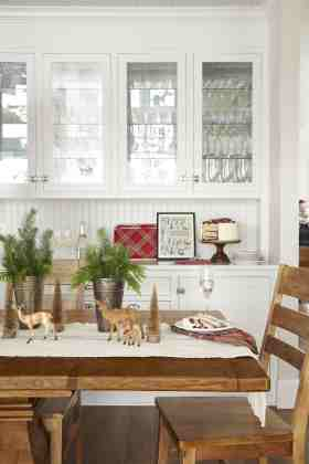 33 Kitchen Christmas Decorating Ideas How To Decorate Your Kitchen For Christmas