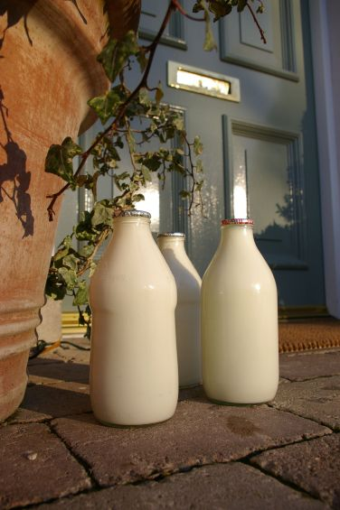 How To Find A Milkman And Save The Planet - Reduce Plastic Pollution