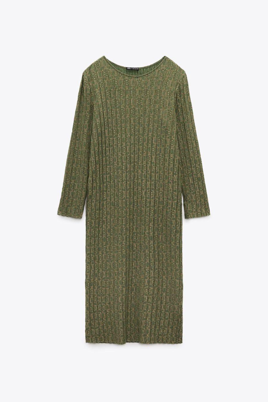 """Kate Middleton va a fare la spesa col vestitino Zara da 25 euro. """"Perfetto per ogni occasione"""". Tutte lo vogliono ed è in saldo"""