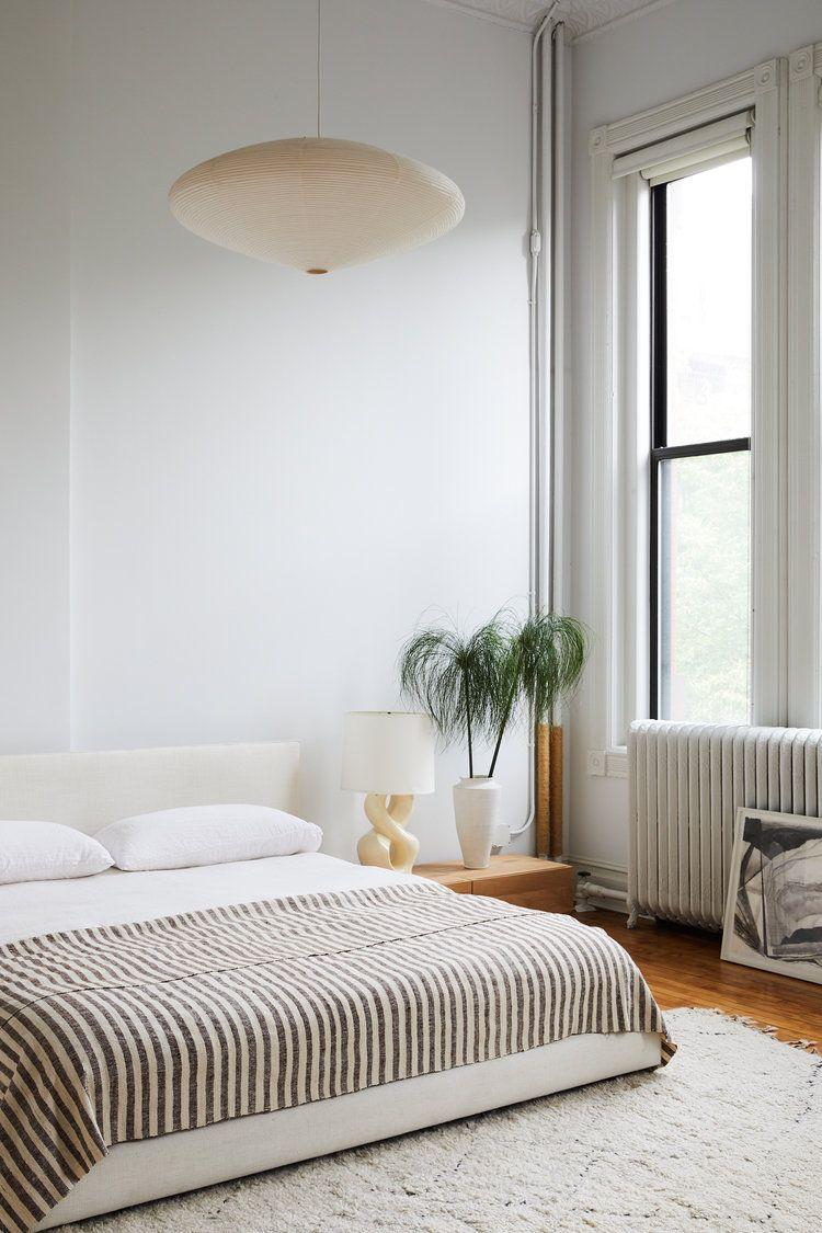 38 Minimalist Bedroom Ideas and Tips - Budget-Friendly ... on Bedroom Minimalist Ideas  id=20506