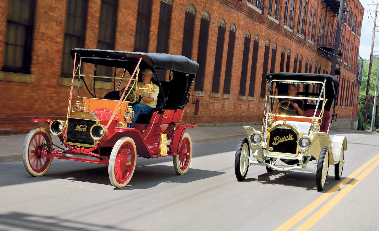 1908 Buick Model 10 And 1909 Ford Model T