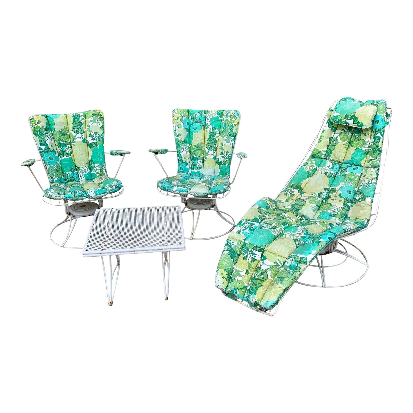 https www housebeautiful com shopping furniture g32212188 best pool lounge chairs