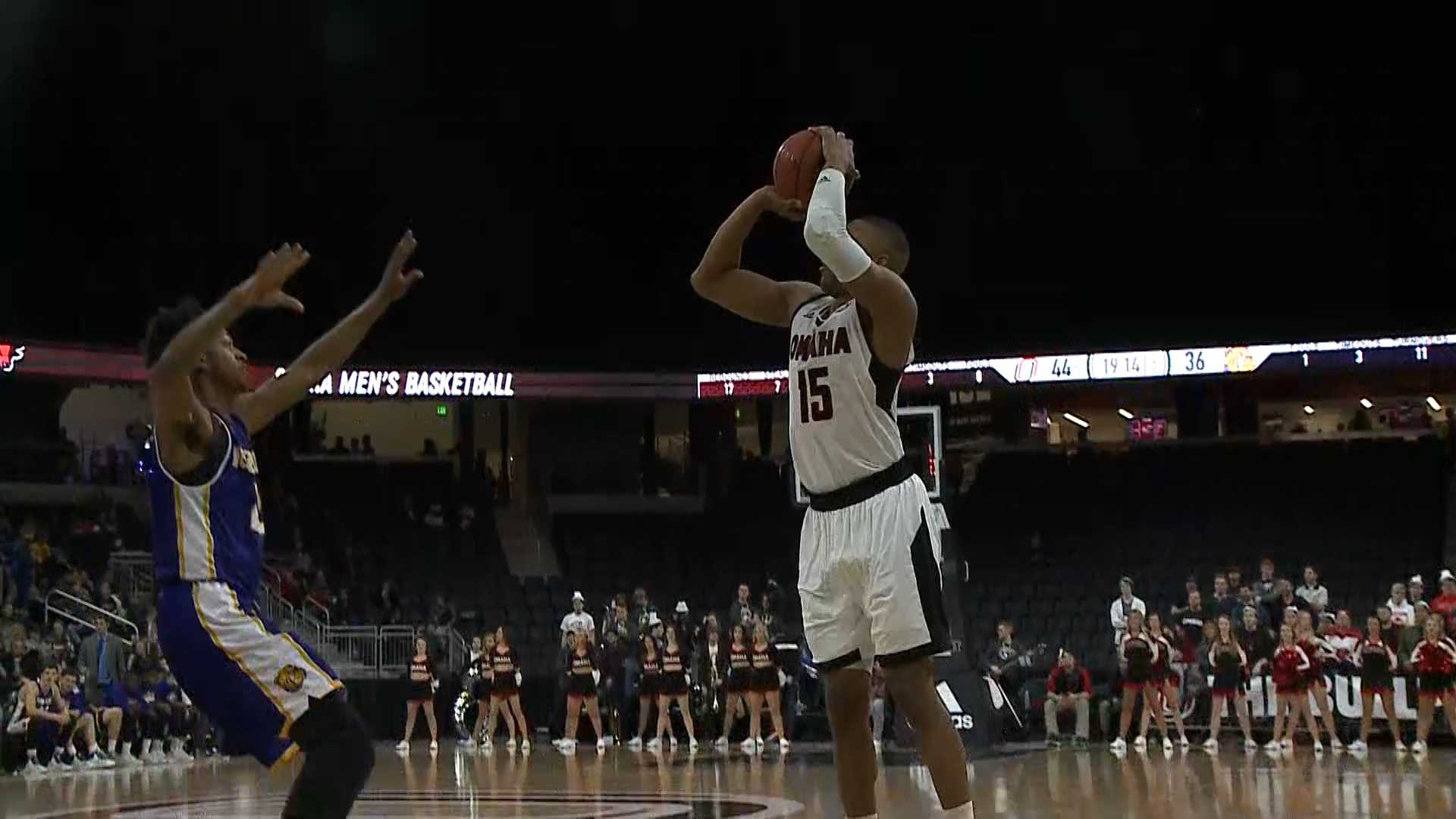 UNO basketball player Tre'Shawn Thurman to transfer