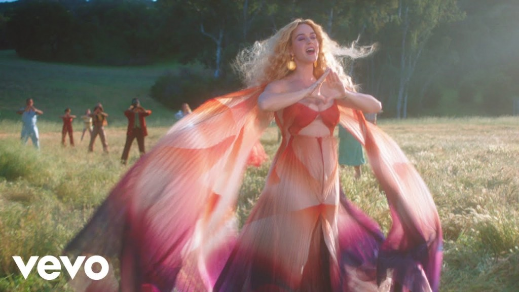 Katy Perry – Never Really Over (Video)