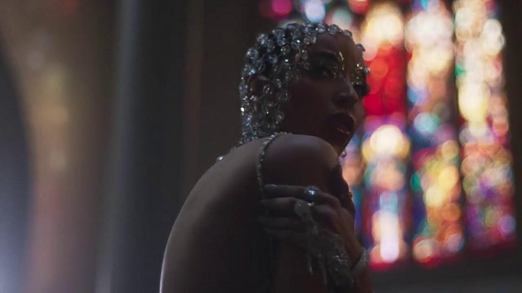 Tinashe – O Holy Night [Video]