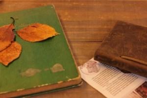 遺品整理 古い切手帳と日記