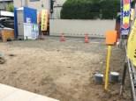 駐車場とお庭をこれから施工します。