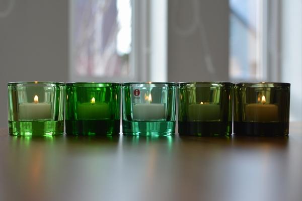 イッタラ kivi ライトグリーンにキャンドル