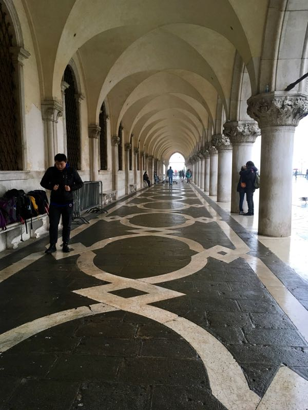 Venice: Doge's palaace cloister