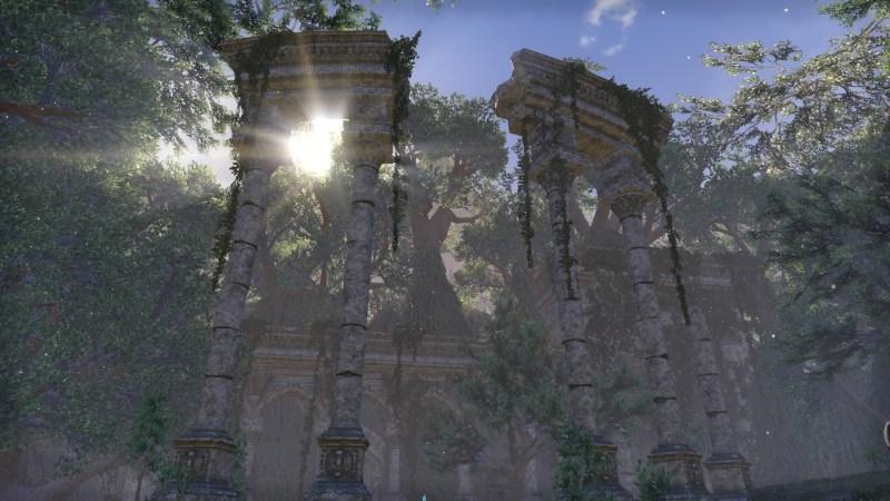 Sun through the courtyard ruins