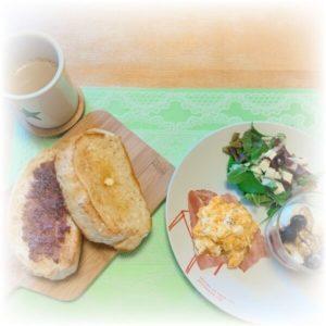 おおきなパンの朝食