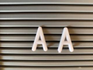 アルファベット文字のA比べ