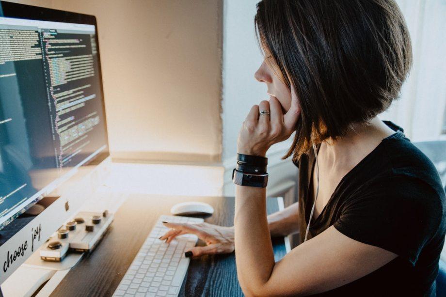 プログラミング女性