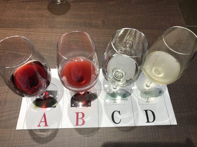 渋谷ワイナリーでワイン飲み比べ
