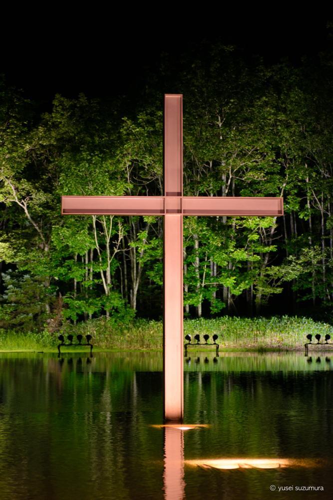 水の教会 十字架