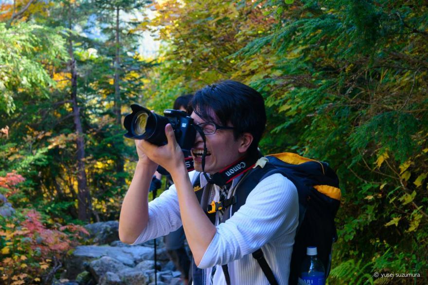 穂高連峰で写真を撮る中国人の友人