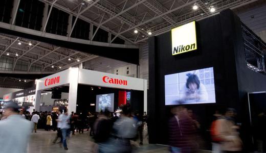 一体どっちがいいんだ!ニコンもキヤノンも使った僕だからわかるそれぞれのカメラの特徴。