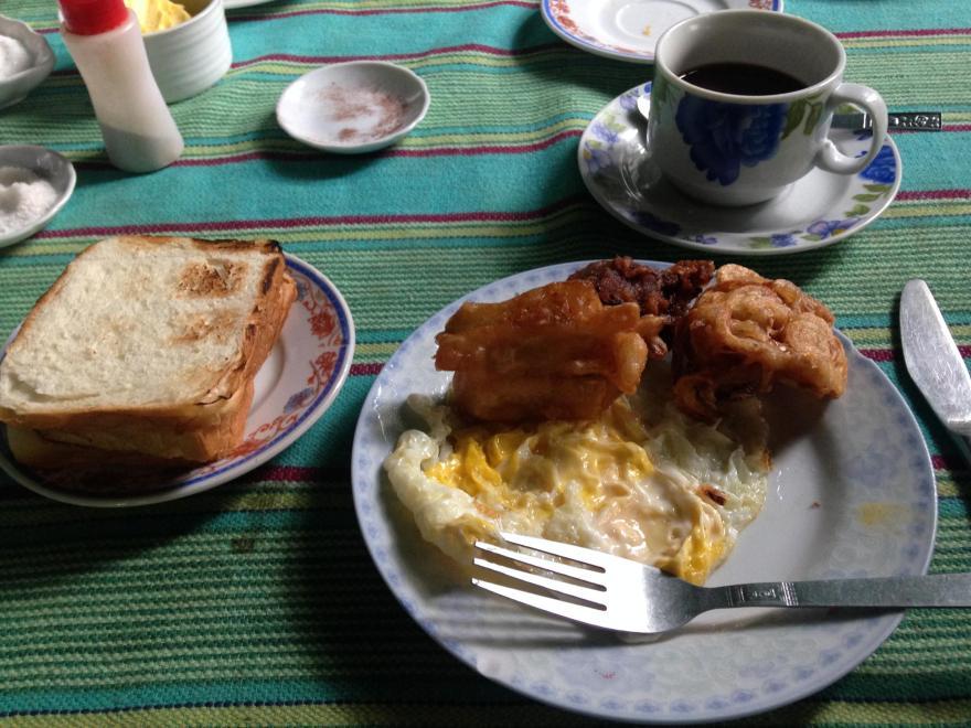 ピンサルパゲストハウス 朝食