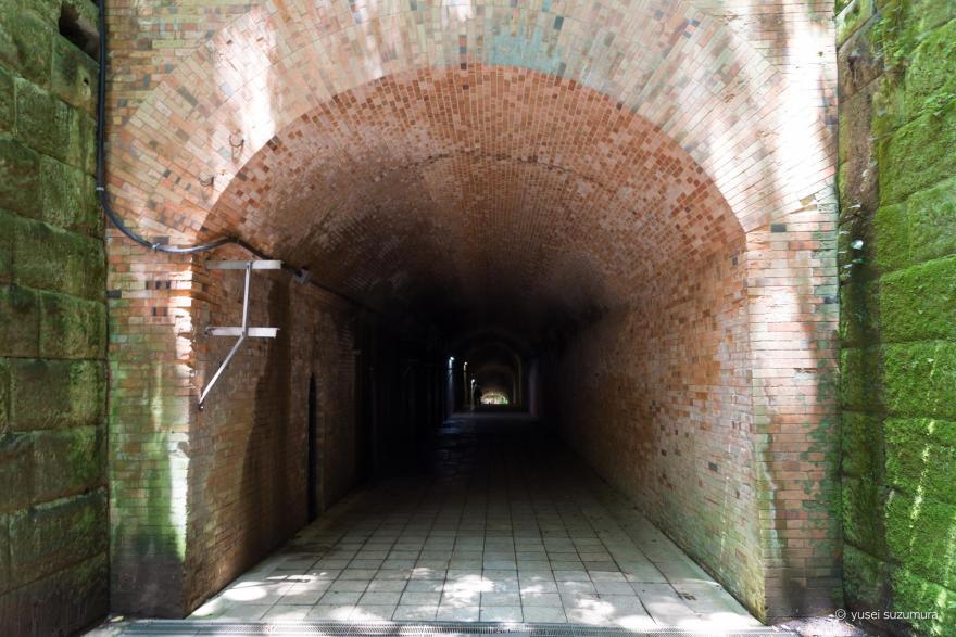 トンネル 猿島