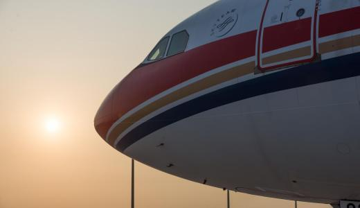 安定の中国東方航空。南京で四時間遅れる。