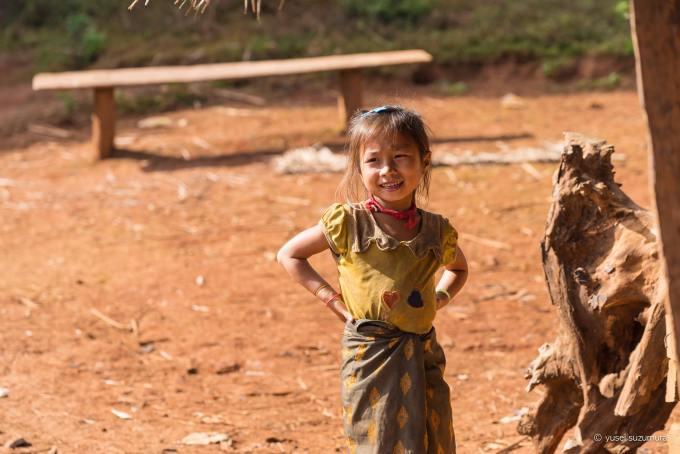ラオス 女の子 少数民族
