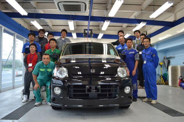 広石モータースのコーティングスタッフは、全員、岡山県倉敷市にある研修センターにてコーティングの極意を学んでいます。