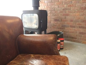 amadana-waterserver with sofa