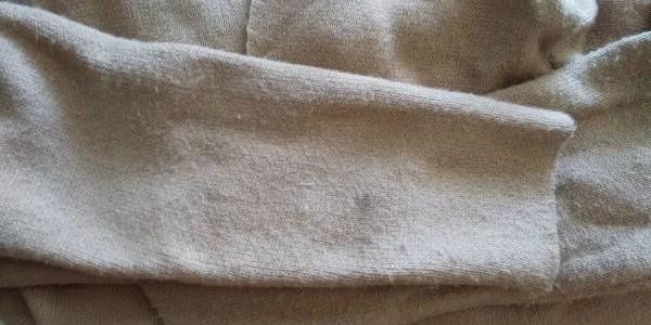 口コミ・評判通りか⁈宅配クリーニング・リネットを利用してみたら便利で快適‼クリーニング前ニットコート画像