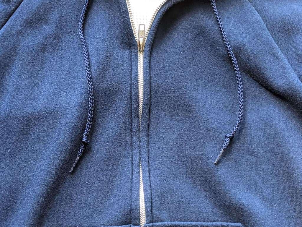 【キャンバー・チルバスター】アメリカ生まれ・高コスパスウェットのサイズ感や種類・違いをレビュー・フードひも画像