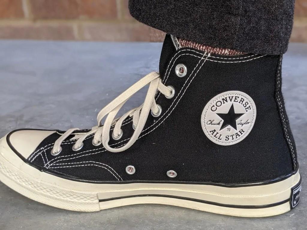 コンバース・チャックテイラーCT70の靴ひもをあけた画像