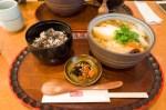 埼玉県さいたま市・甘味処 藤屋 きしめんとお赤飯のセット
